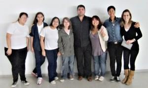 Grupo de jovens que organizaram a palestra